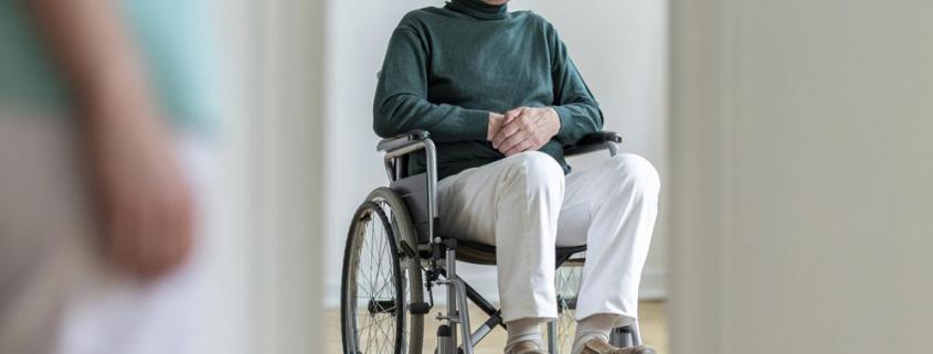 maltrattamento anziani badanti vittime Roma