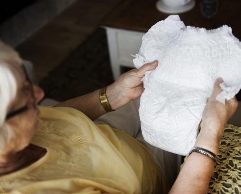 Roma incontinenza anziani aes domicilio badante convivente